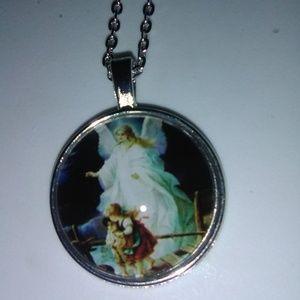 Beautiful Guardian Angel necklace pendant & chain